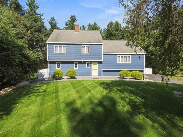 11 Carriage Hill Road Andover MA 01810