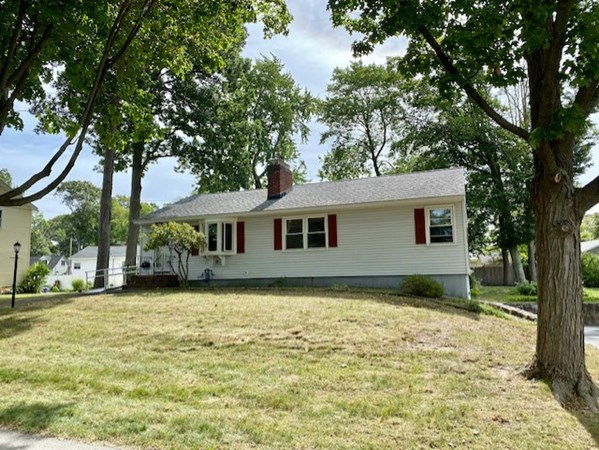 35 Sawyer Road North Andover MA 01845