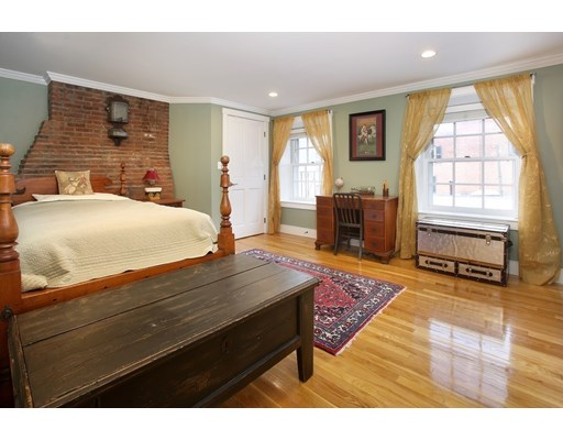 17 Joy St #3, Boston, MA 02114