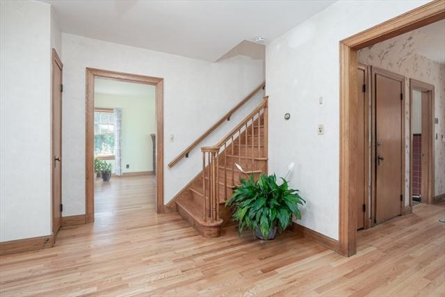 136 Maple Avenue Leominster MA 01453