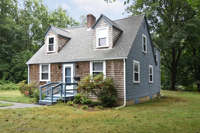 528 Fall River Avenue Seekonk MA 02771