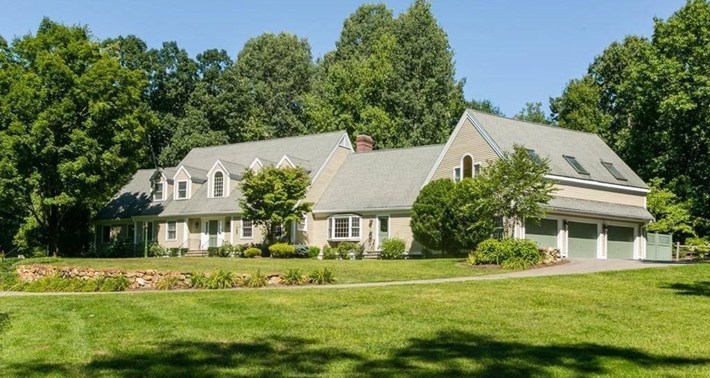 Photo of 584 Strawberry Hill Road Concord MA 01742