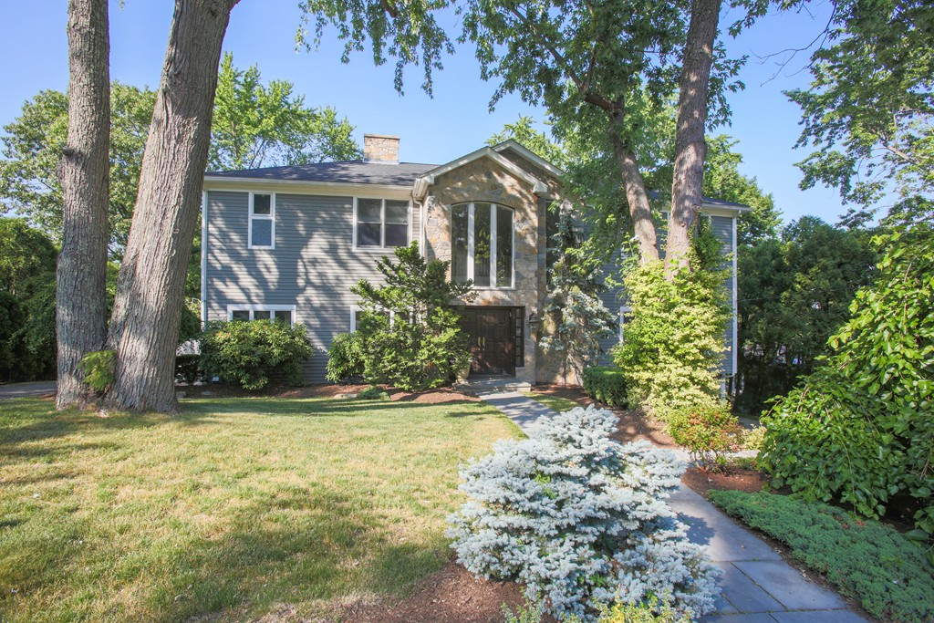 Photo of 31 Baldpate Hill Rd Newton MA 02459