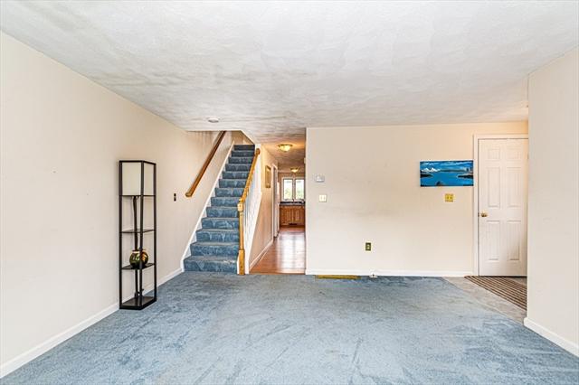 102 Blue Jay Court Wilmington MA 01887