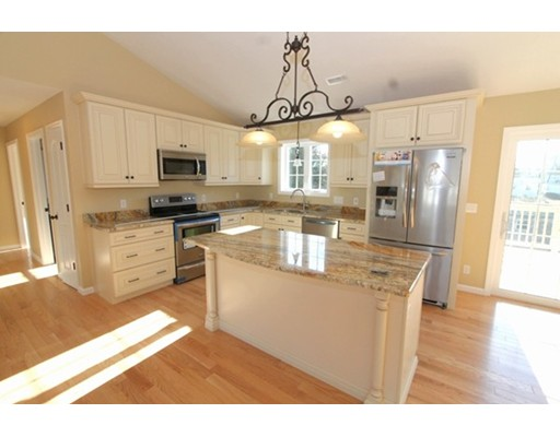 3 bed, 2 bath home in Sturbridge for $465,000