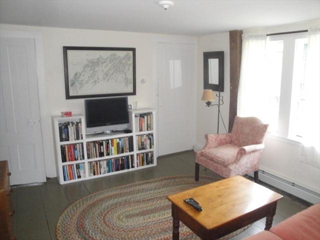 153 Perkins Row Topsfield MA 01983