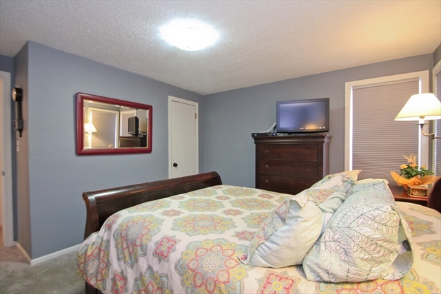60 Sherwood Terrace Holyoke MA 01040