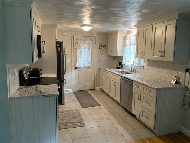 14 Guild Road Plymouth MA 02360