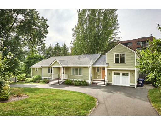 4 Beds, 3 Baths home in Amherst for $514,900