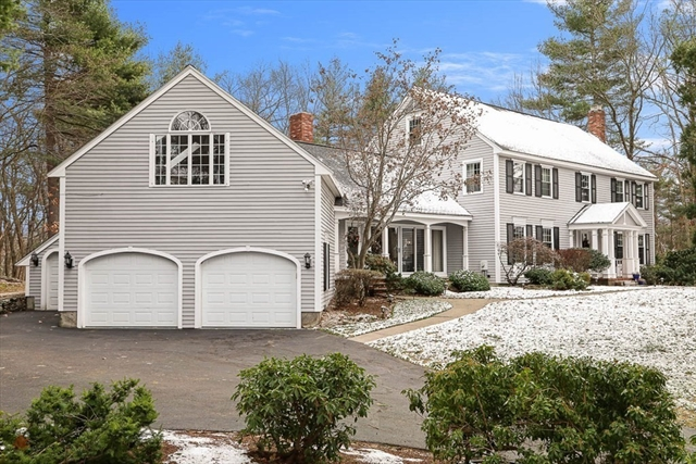 32 Castlemere Place North Andover MA 01845
