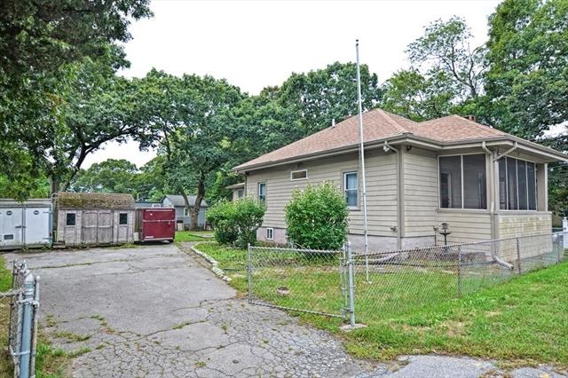 64 Pembroke Avenue Acushnet MA 02743