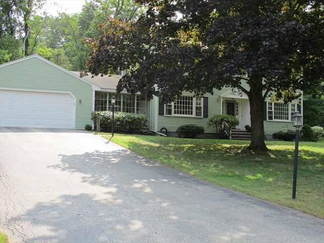 8 Ray Hill Drive Chelmsford MA 01824