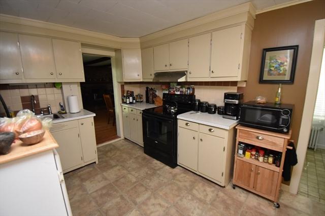 216 Lovefield Street Northampton MA 01060