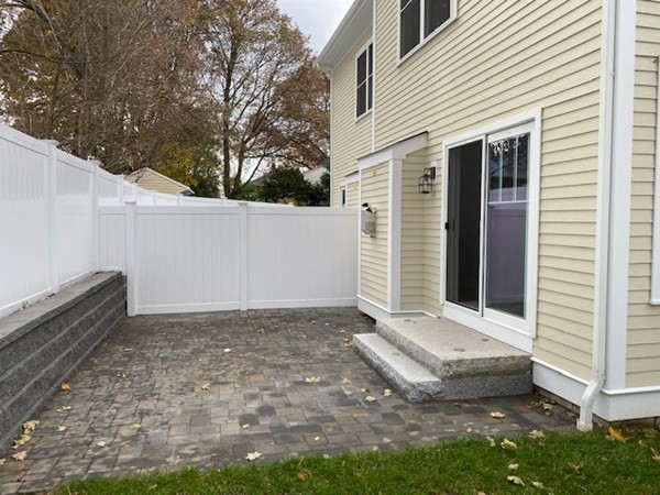 23 CRESCENT Road Needham MA 02494