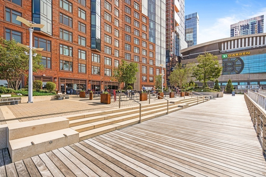 100 Lovejoy Wharf, Boston, MA Image 19