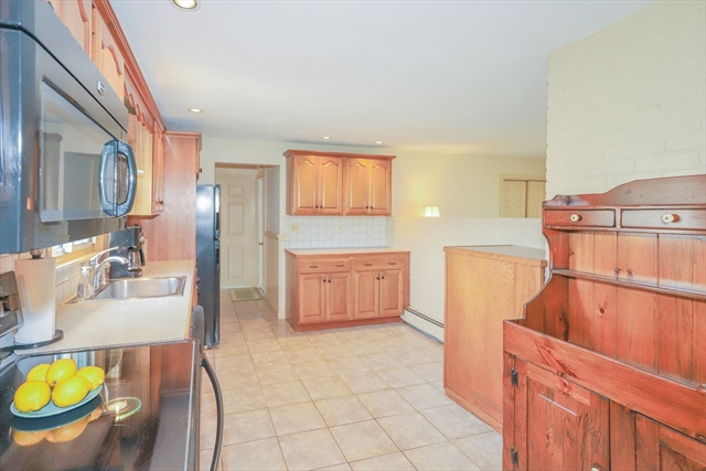 11 Exeter Road Beverly MA 01915