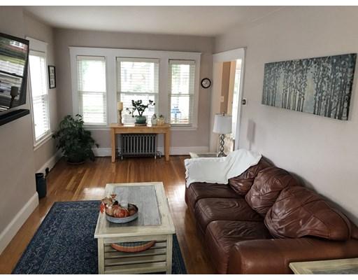 35 Glenhaven Rd, Boston, MA 02132