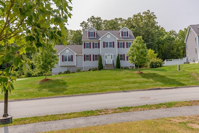 4 Zackney Drive Billerica MA 01821