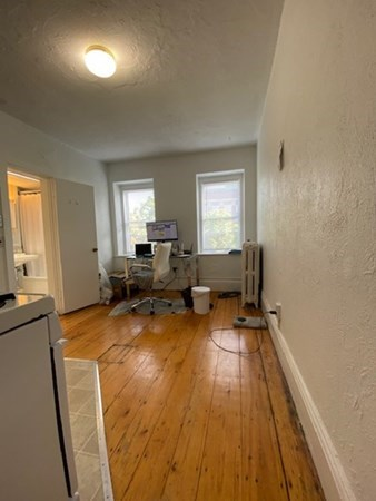 19 South Russell (No FEE) Boston MA 02114