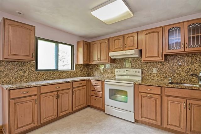 15 Pebble Place Malden MA 02148