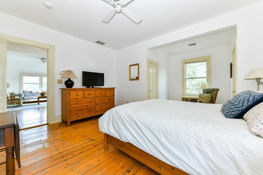 46 Chestnut Ave, Boston, MA Image 23