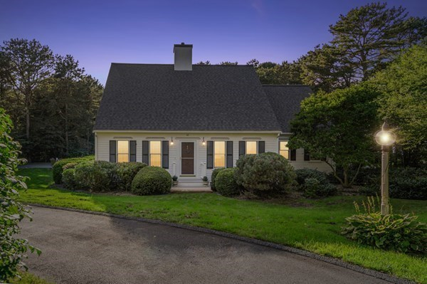 42 Jilliann's Way Barnstable MA 02635