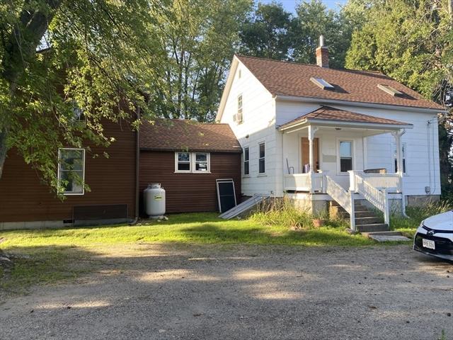 415-417 Meadow Street Amherst MA 01002