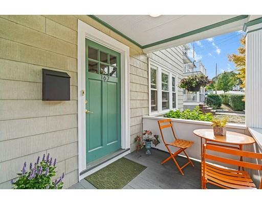 2 Beds, 1 Bath home in Arlington for $559,900