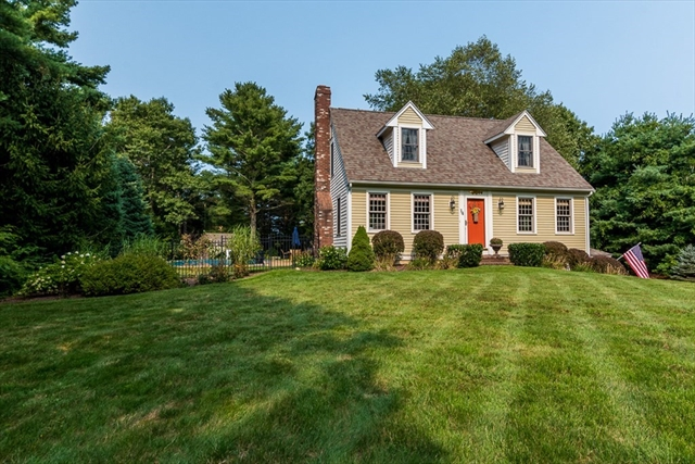 14 Deer Hill Lane aka DEERHILL Carver MA 02330