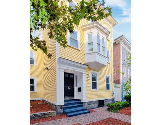 32 Albion Pl, Boston - Charlestown, MA 02129