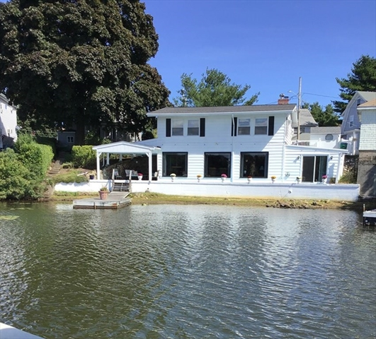 8 Lake View Place Lynn MA 01904