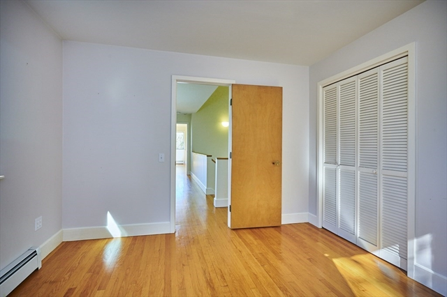 25 Laurel Hill Leverett MA 01054