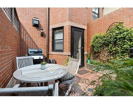 2 Beds, 2 Baths home in Boston for $2,175,000