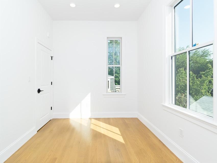 560 East Fifth Street, Boston, MA Image 8