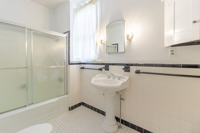 32 Beacon Street Gloucester MA 01930