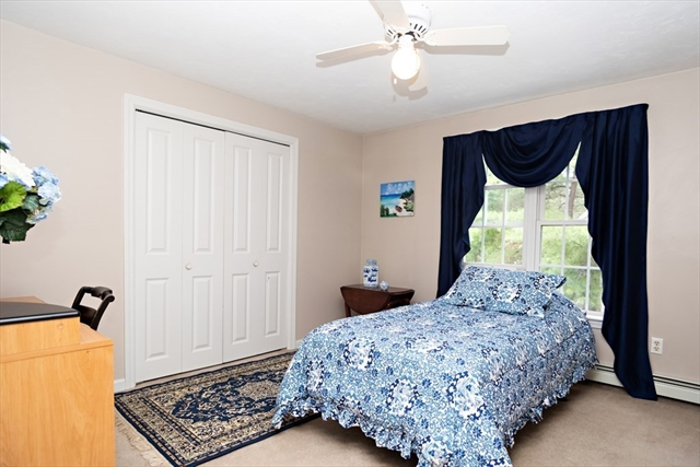 19 Fair View Lane Plymouth MA 02360