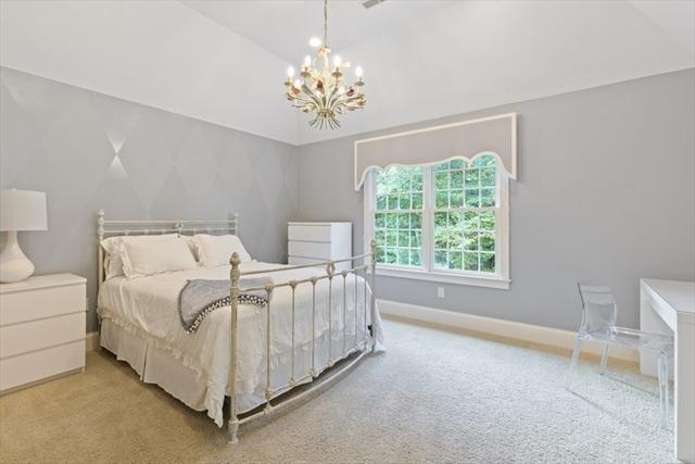 40 Berrington Place North Andover MA 01845