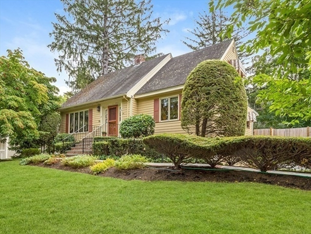 22 Meadowview Road Melrose MA 02176
