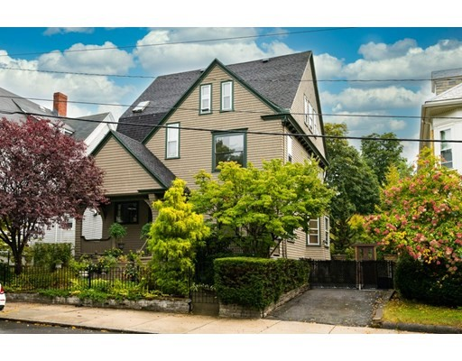 5 Beds, 3 Baths home in Boston for $995,000