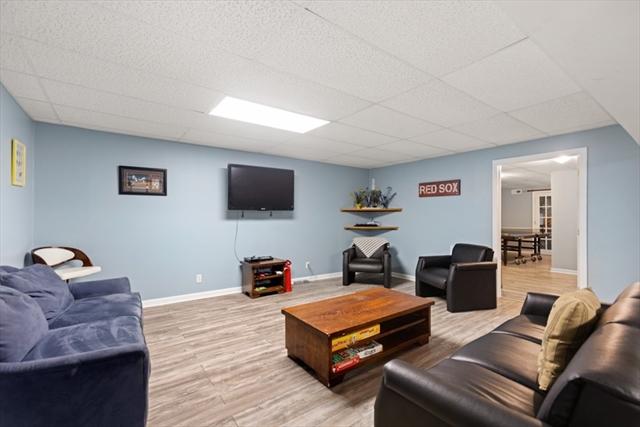 21 Sullivan Way Foxboro MA 02035