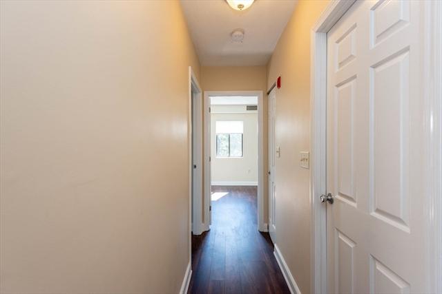 1 Ledgewood Way Peabody MA 01960