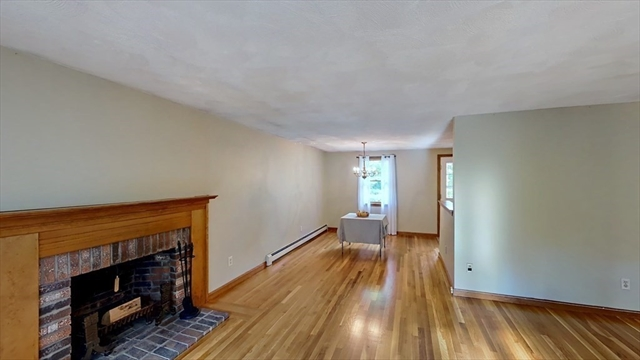 27 Bainbridge Road Reading MA 01867