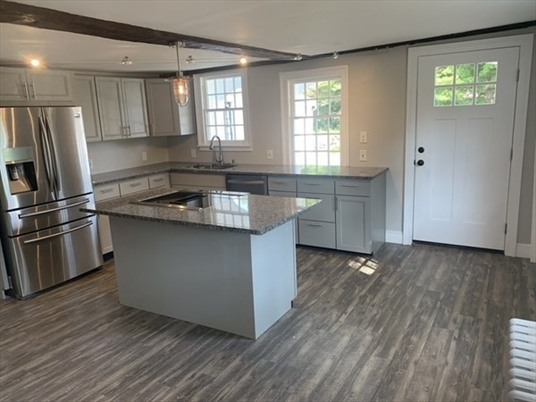 37 Christian Ln, Whately, MA: $425,000