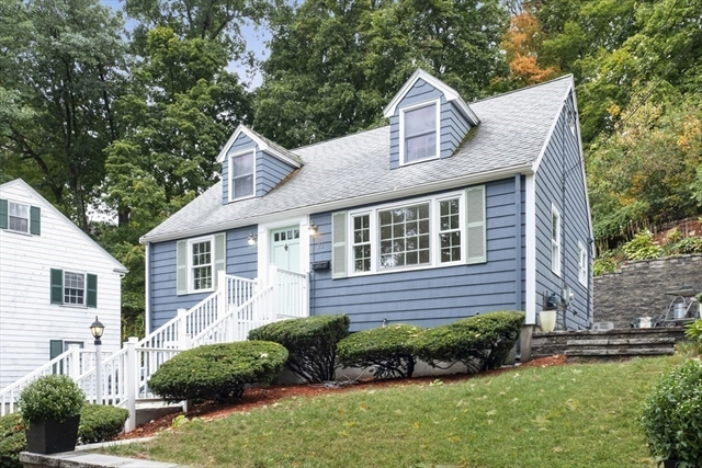 21 Oakwood Road Newton MA 02466
