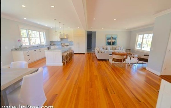 29 Meshacket Road Edgartown MA 02539