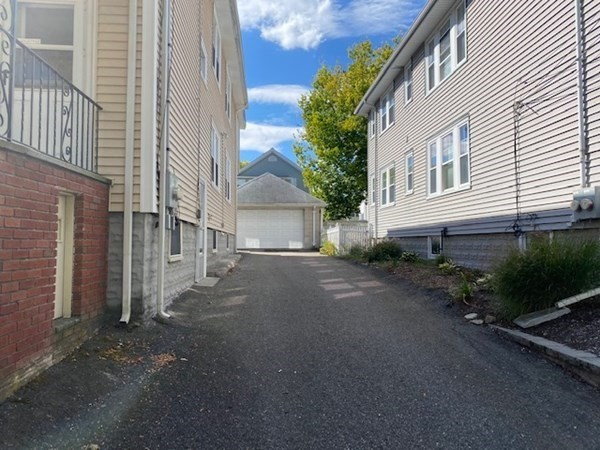 32 Lakehill Arlington MA 02474