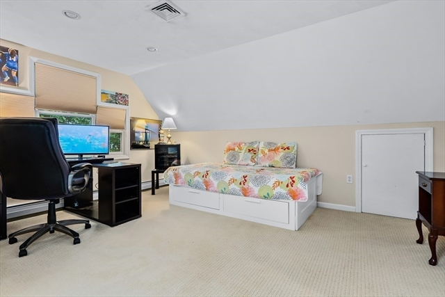16 Patricia Road Danvers MA 01923