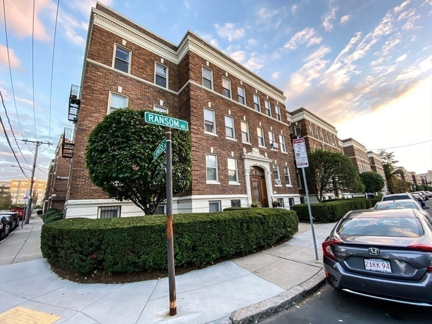 4 Ransom Rd, Boston, MA Image 2