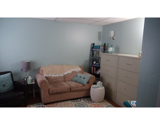 18 Crooked Ln, Lakeville, MA 02347