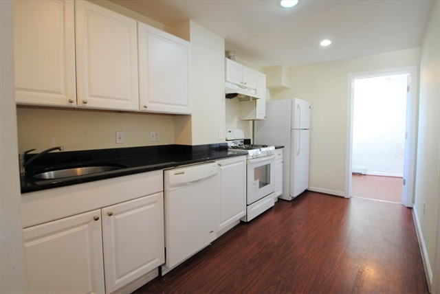 229 London Street Boston MA 02128